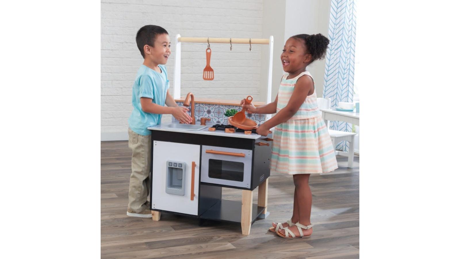 Image of Toddler Play Kitchen / EZ Kraft Assembly