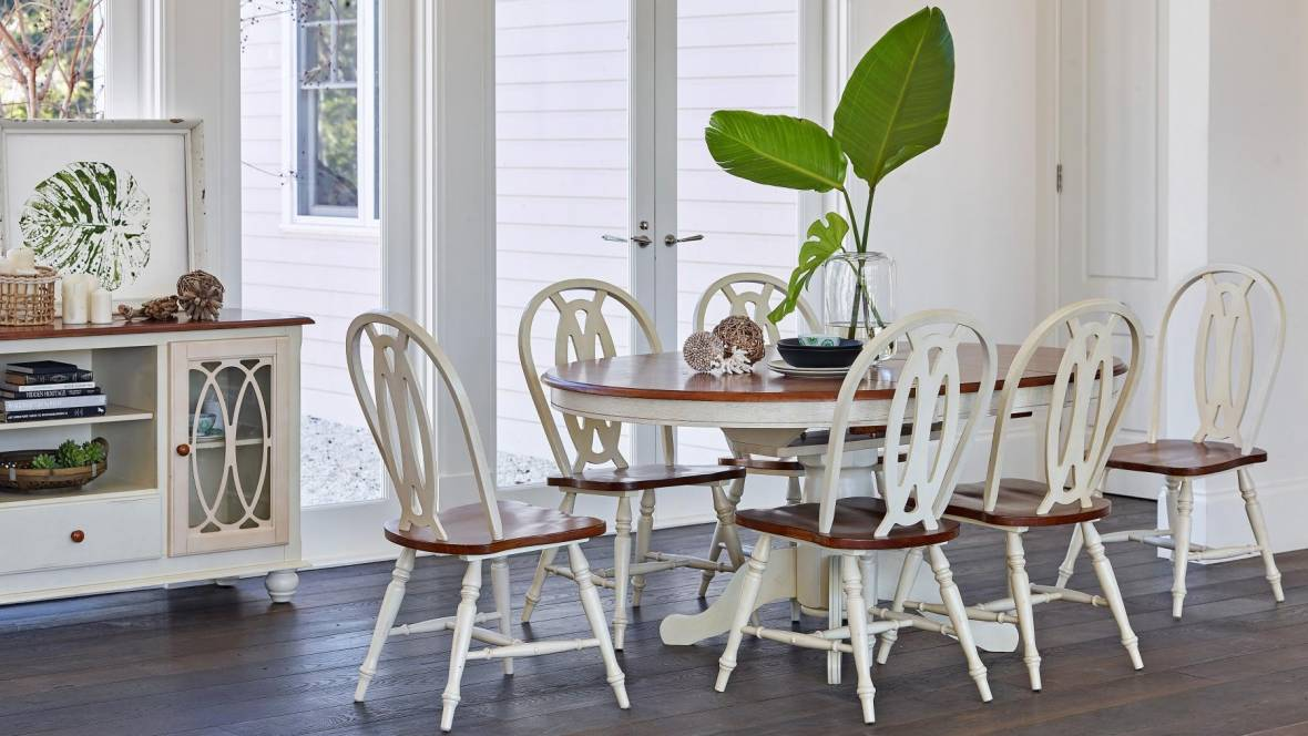 Hampshire 7-Piece Extension Dining Setting