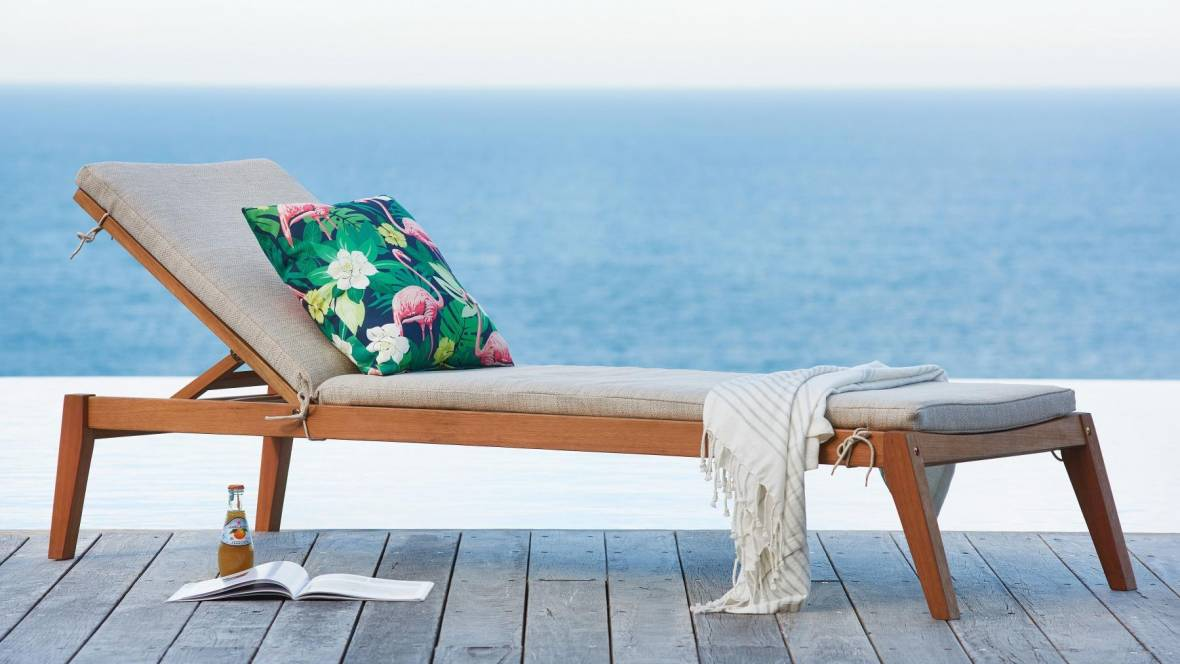 Louie Outdoor Cushioned Sunlounge