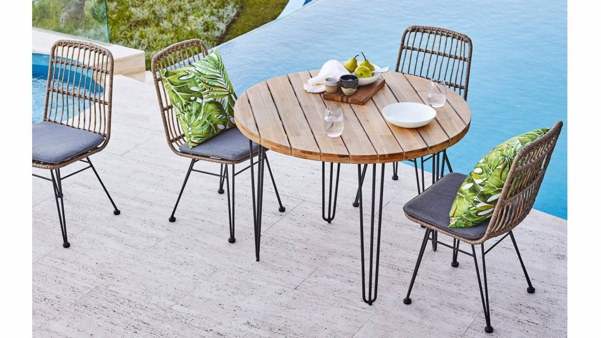 Charlotte Outdoor Dining Setting