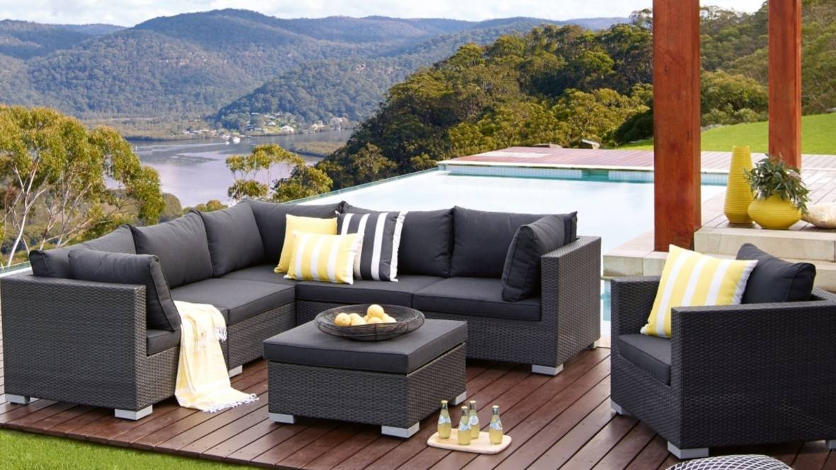 Newport Outdoor 7-Piece Modular Lounge Setting