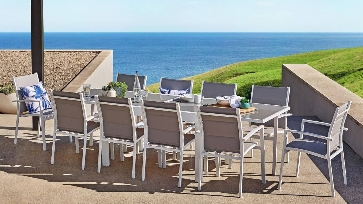 Cancun Outdoor Extension Dining Setting