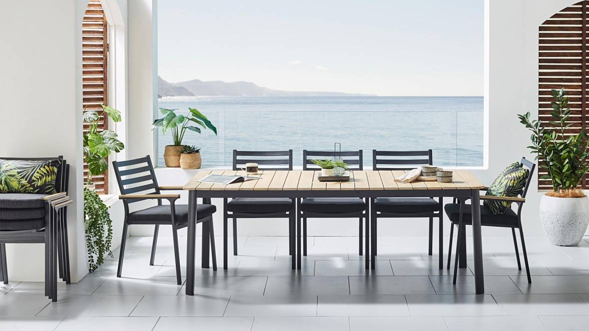 Cargo Outdoor Dining Setting