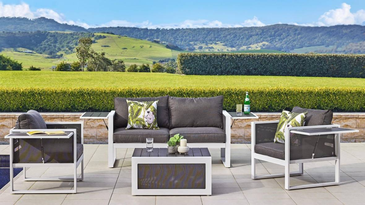 Bella 4-Piece Outdoor Lounge Setting