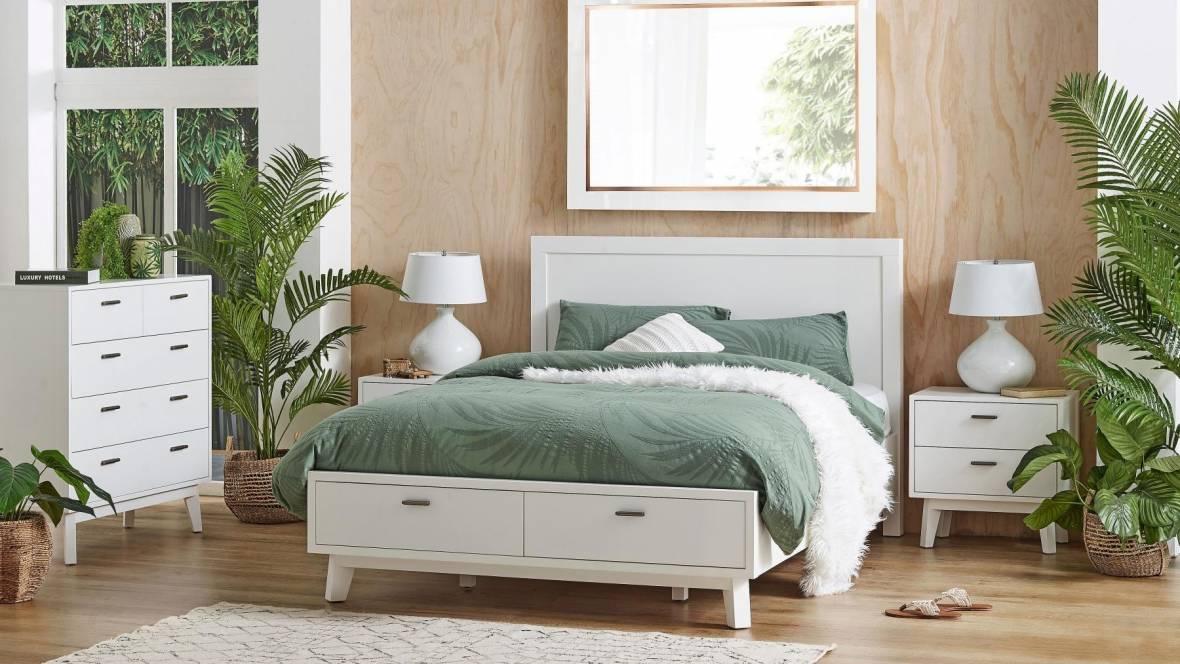 Santino 2-Drawer White Bed