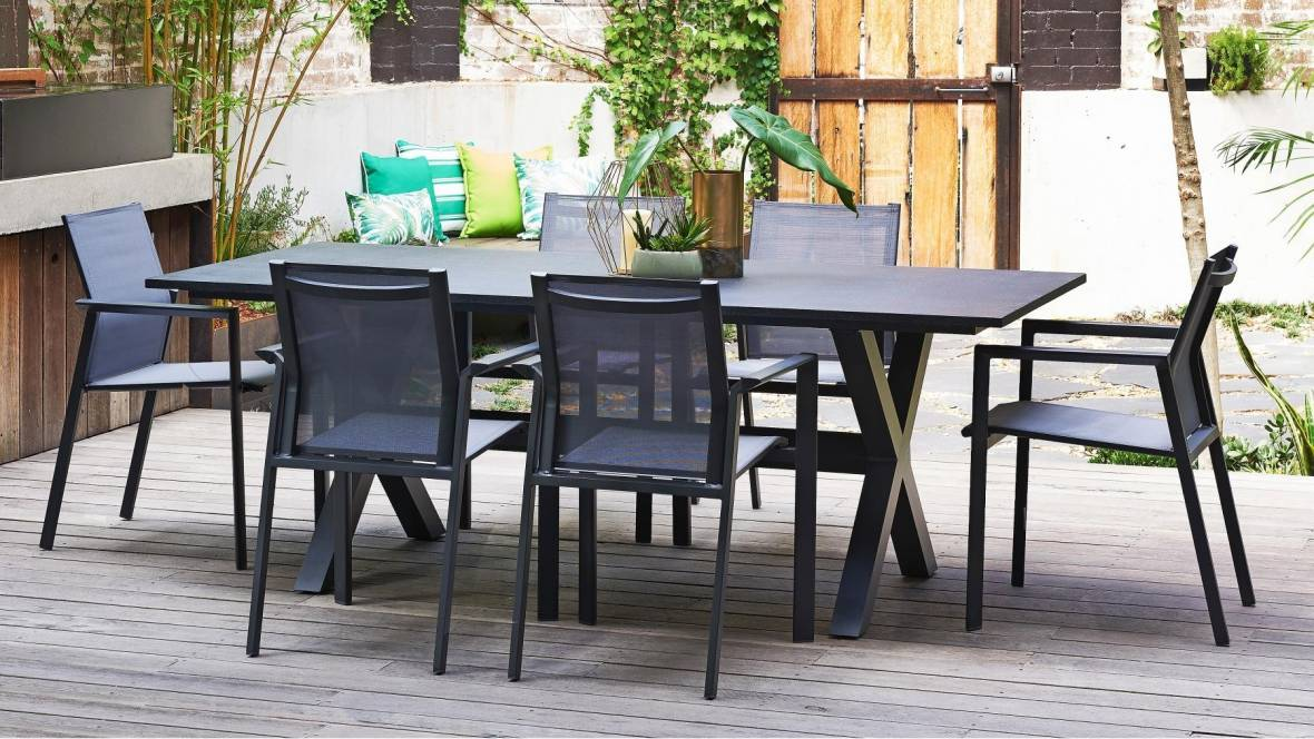 Derby Outdoor Dining Setting