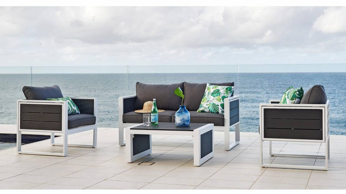 Bella Outdoor 4-Piece Lounge Setting