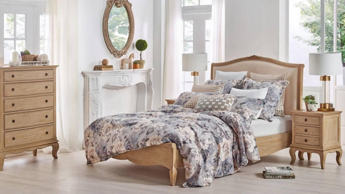 Domenique Bed