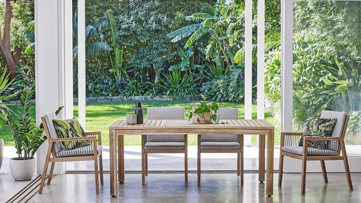 Bianco Outdoor Dining Setting