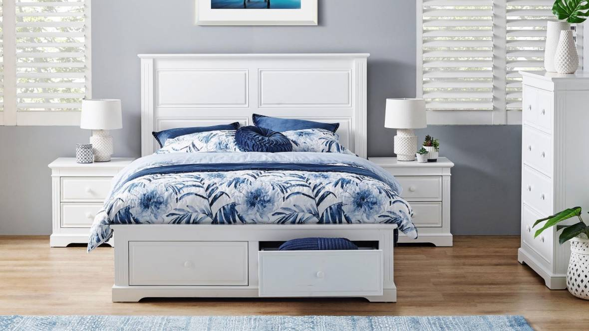 Tudor Bed