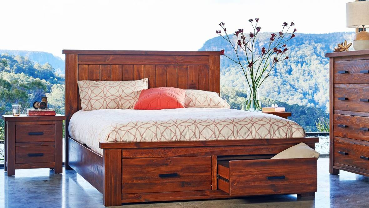 Cobar 4-Piece Queen Bedroom Suite