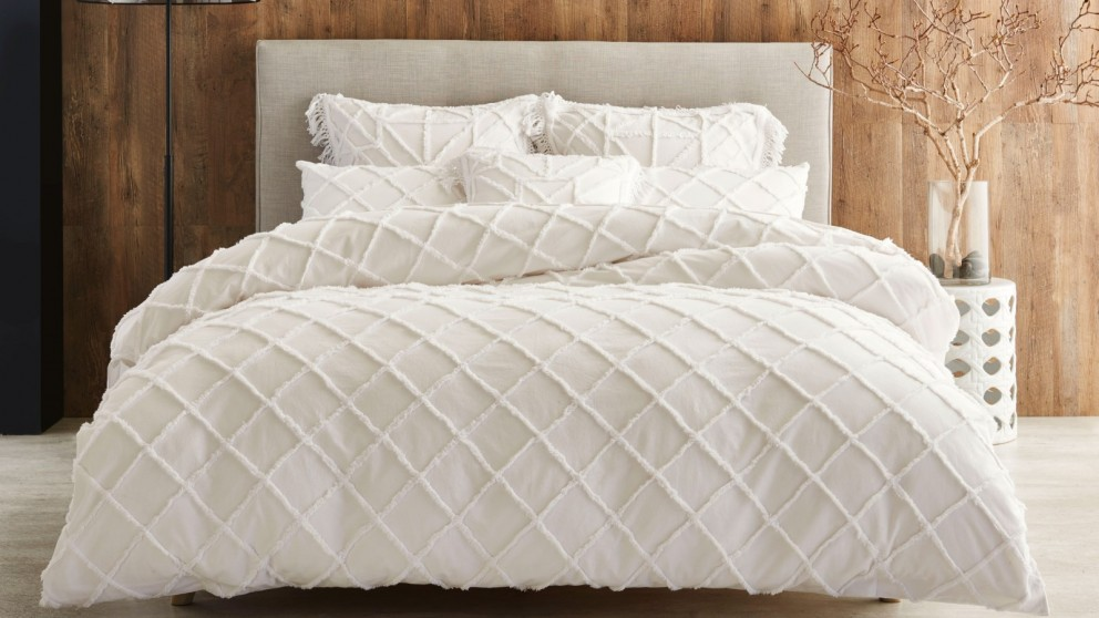 Lumiere White Queen Quilt Cover Set