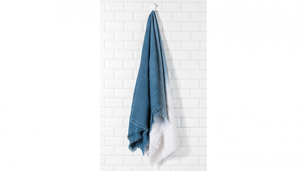 Cove Ombre Blue Throw