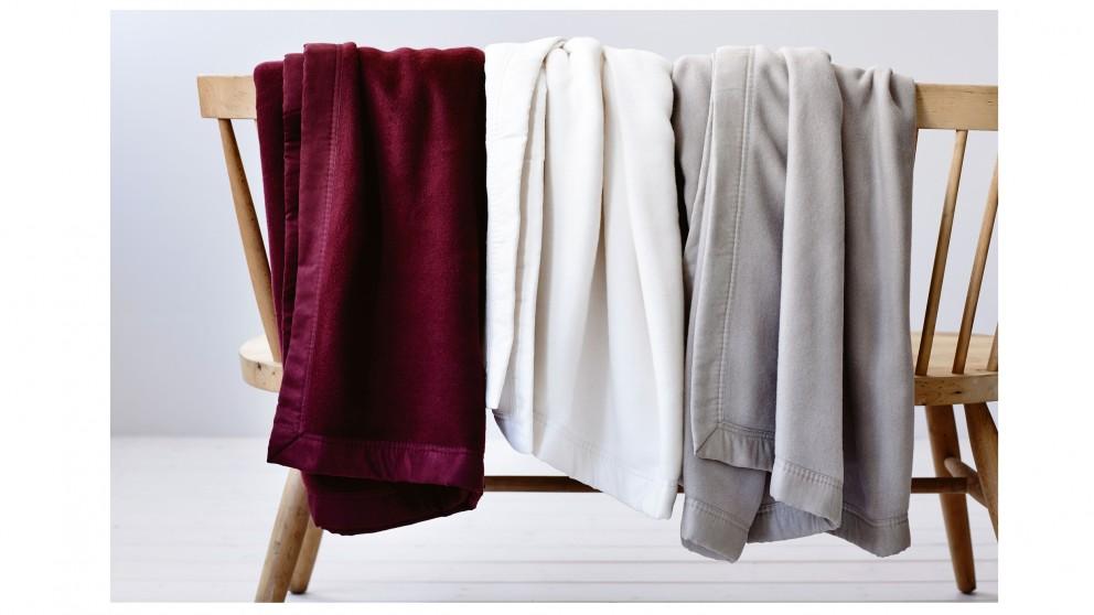 Gainsborough Luxury Soft Touch Single/Double Blanket- Claret