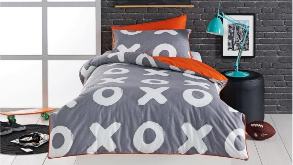 Naughts and Crosses Orange Double Quilt Cover Set