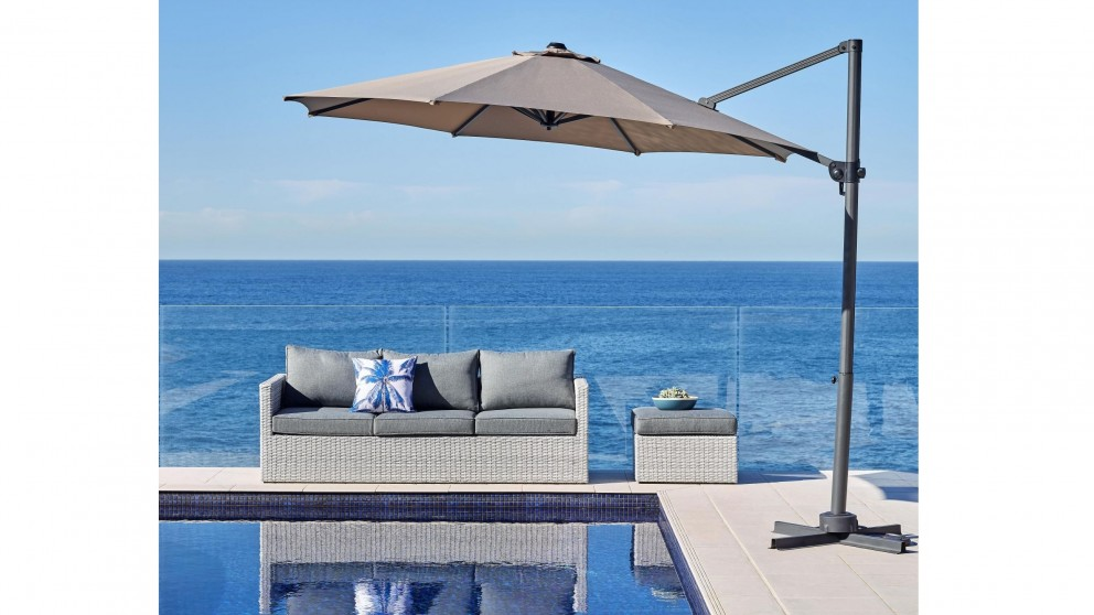 Elio 300cm Octagonal Cantilever Outdoor Umbrella