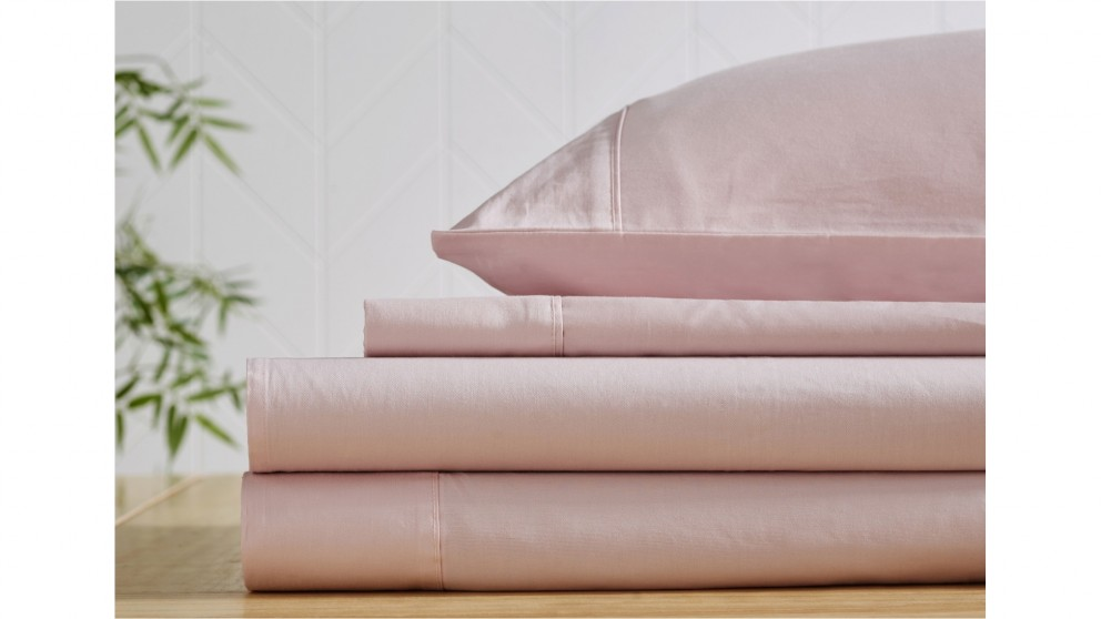 L'Avenue 300 Thread Count Cotton Blush Sheet Set