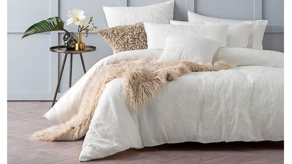 L'Avenue Cavello White Quilt Cover Set