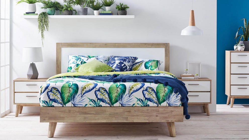 Avenue Queen Bed