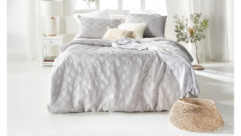Rumi Silver Quilt Cover Set