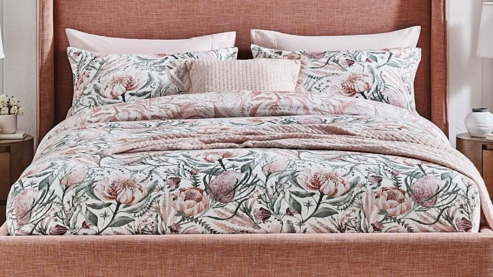 KitchenAid Hand Mixer - Empire Red
