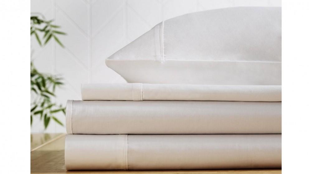 L'Avenue 300 Thread Count White Sheet Set - Single