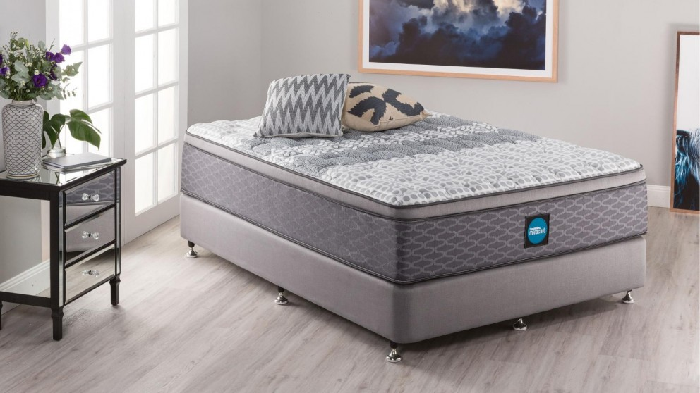 SleepMaker Advance Comfort Firm Queen Ensemble