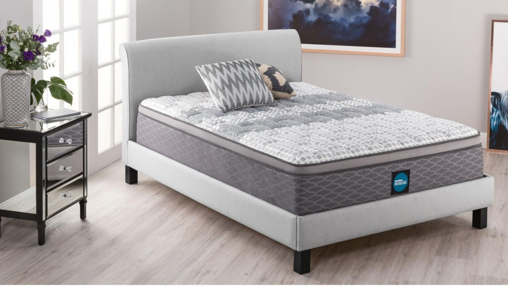 SleepMaker Advance Comfort Firm King Mattress