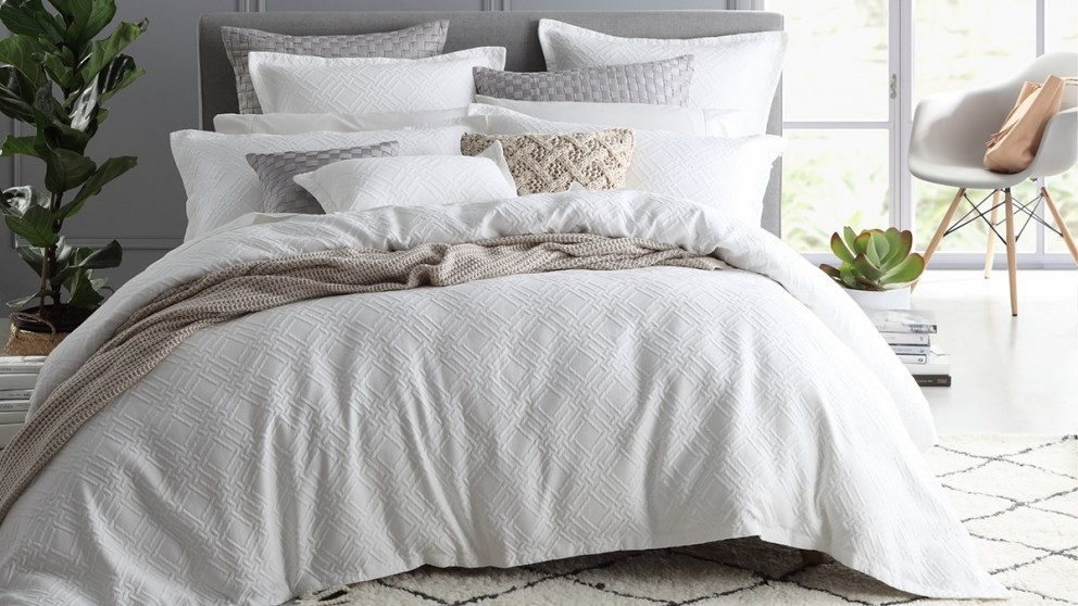 Fitzroy White Queen Quilt Cover Set