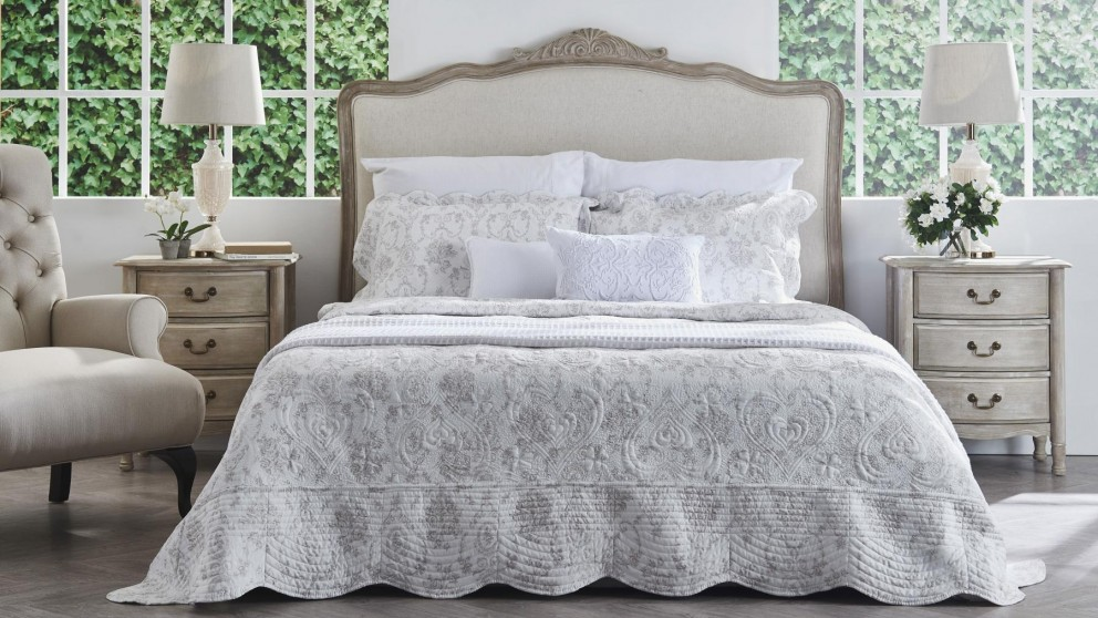 Bedspreads.Beatrice Taupe King Bedspreads