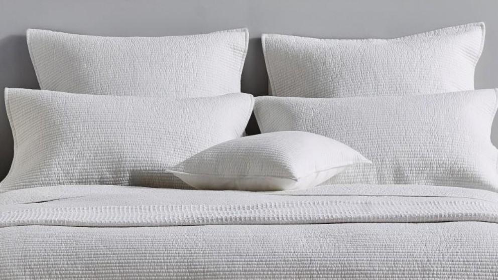 L'Avenue Jamieson White Cushion