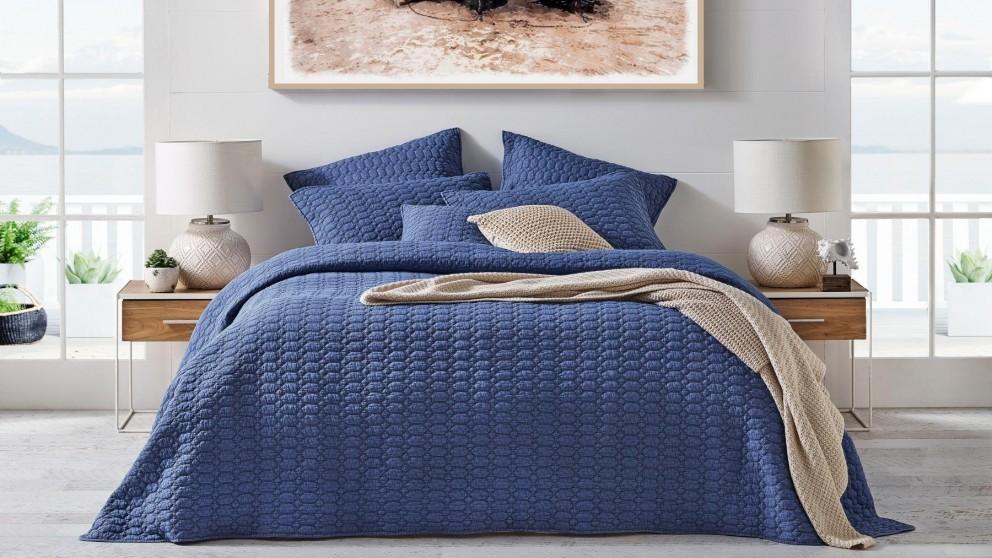 L'Avenue Drazan Blue Coverlet Set