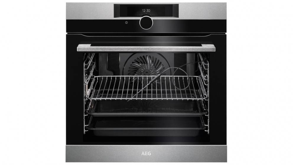 AEG 600mm SenseCook Pyroluxe Oven with Command Wheel Control