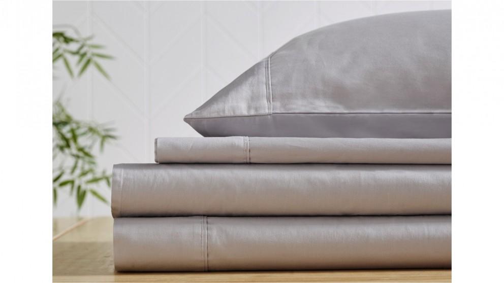 L'Avenue 300 Thread Count Silver Sheet Set