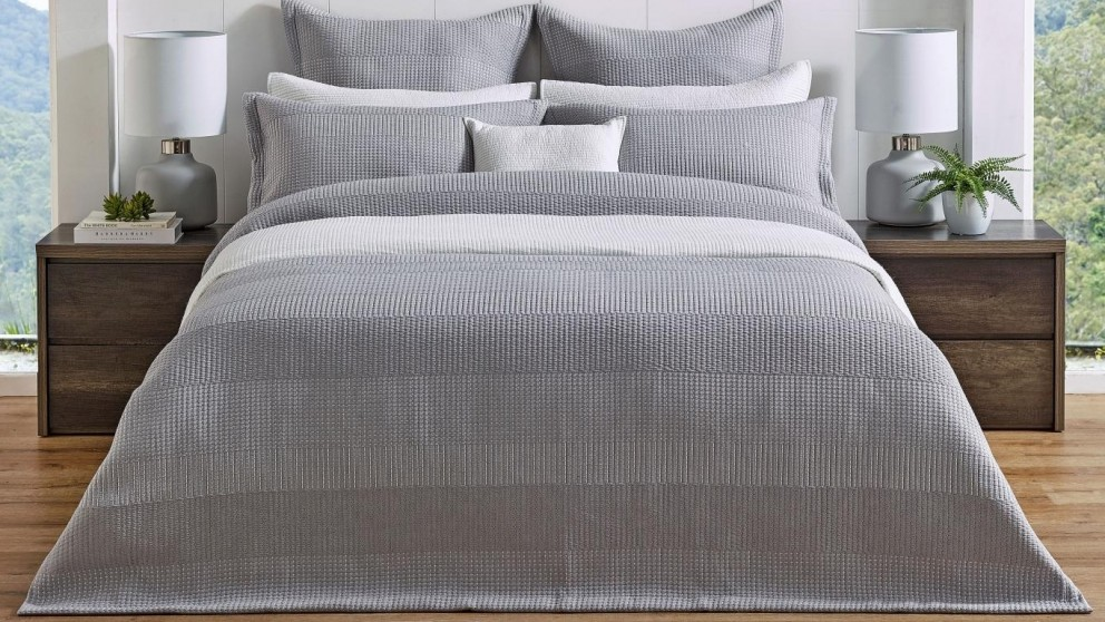 L'Avenue Zayden Silver Quilt Cover Set