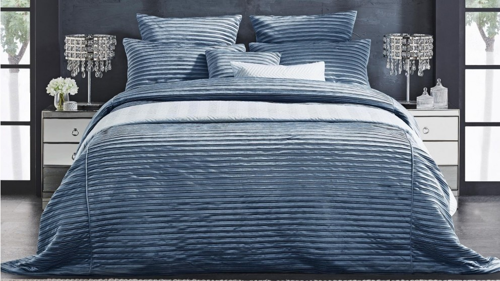 L'Avenue Constance Blue Coverlet Set