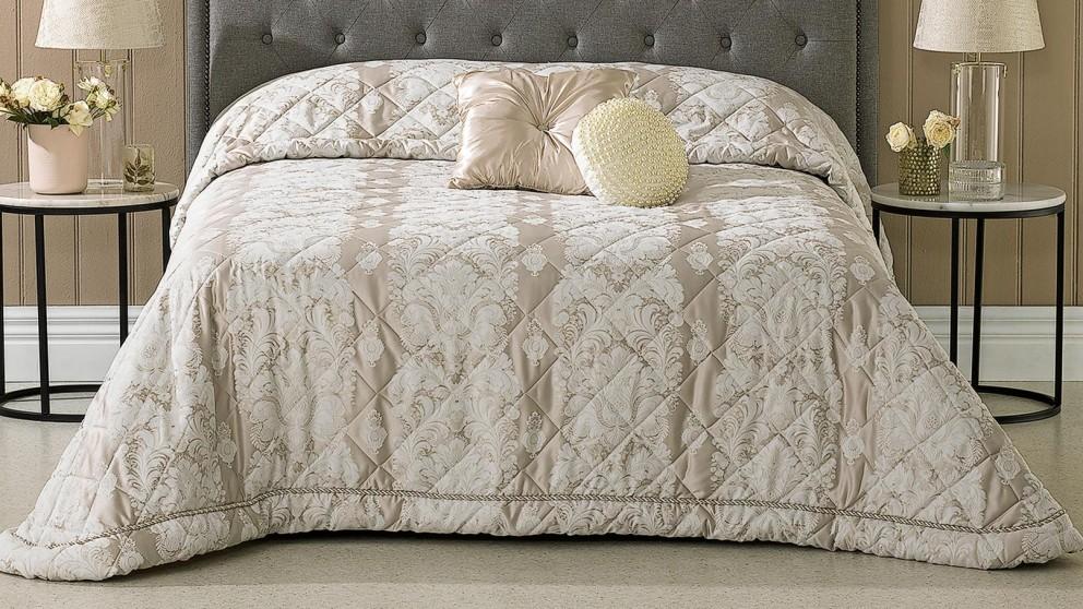 Aurora Oyster Bedspread