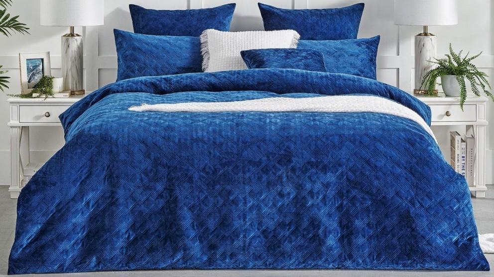 L'Avenue Remy Navy Quilt Cover Set