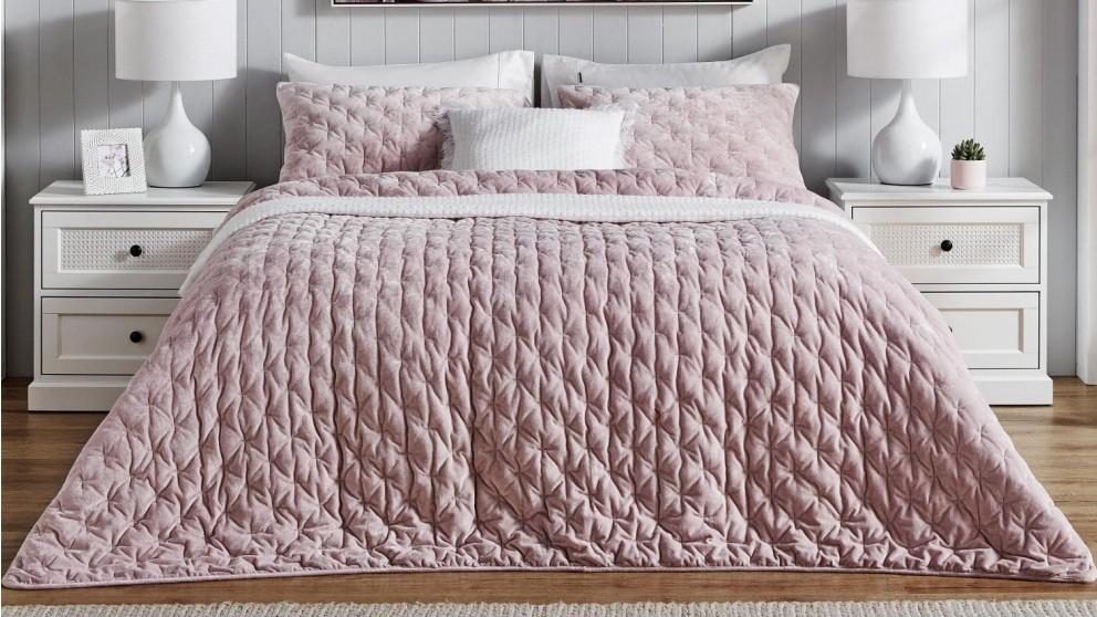 L'Avenue Arlington Velvet Pink Coverlet Set - King