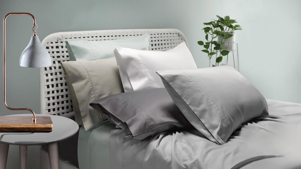 L'Avenue 300 Thread Count Silver Standard Pillowcase Set
