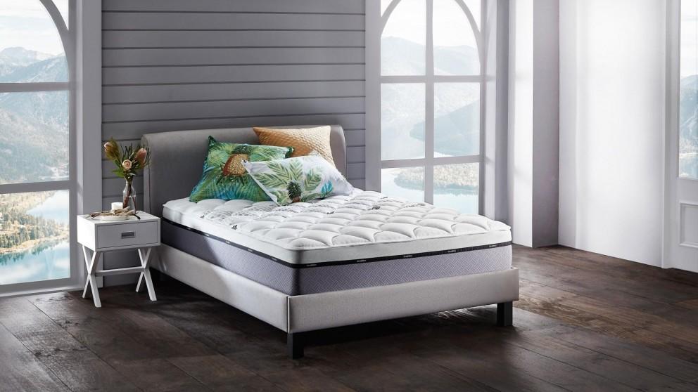 SleepMaker Miracoil Orientate Plush Mattress - Queen