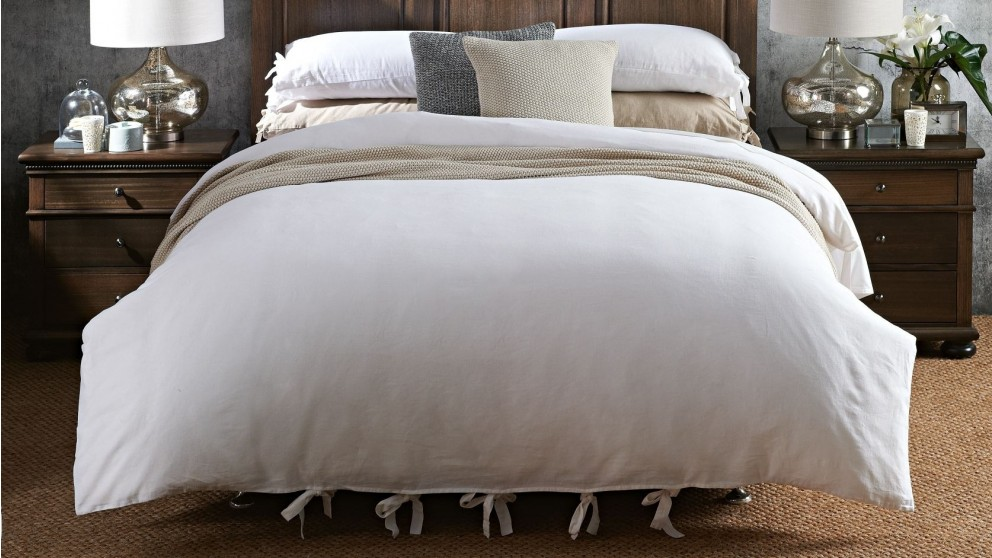 L'Avenue Grayson White Quilt Cover Set - Queen