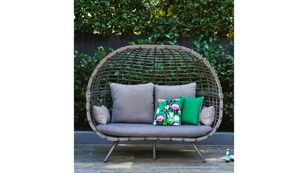 Incroyable Nest Double Pod Chair