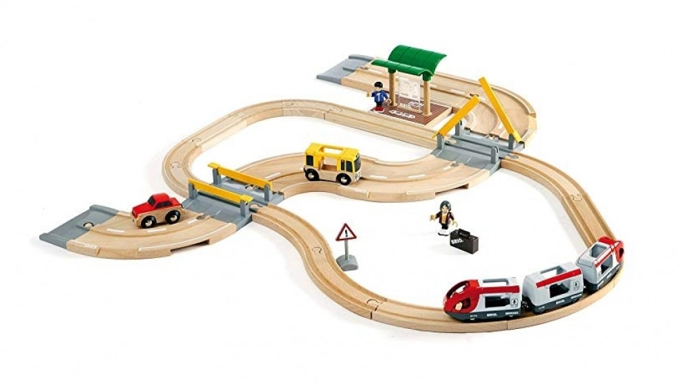 Brio 33-Piece Rail and Road Travel Vehicle Playset
