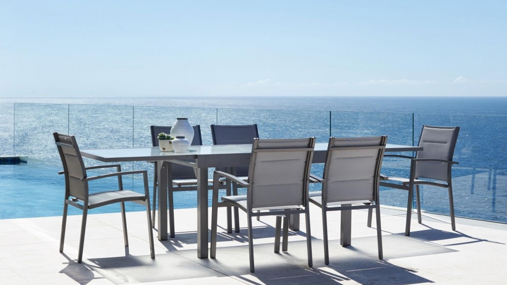 Laura 7-Piece Outdoor Rectangular Extension Dining Setting