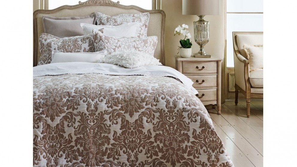 Riviera Stone Queen Quilt Cover Set