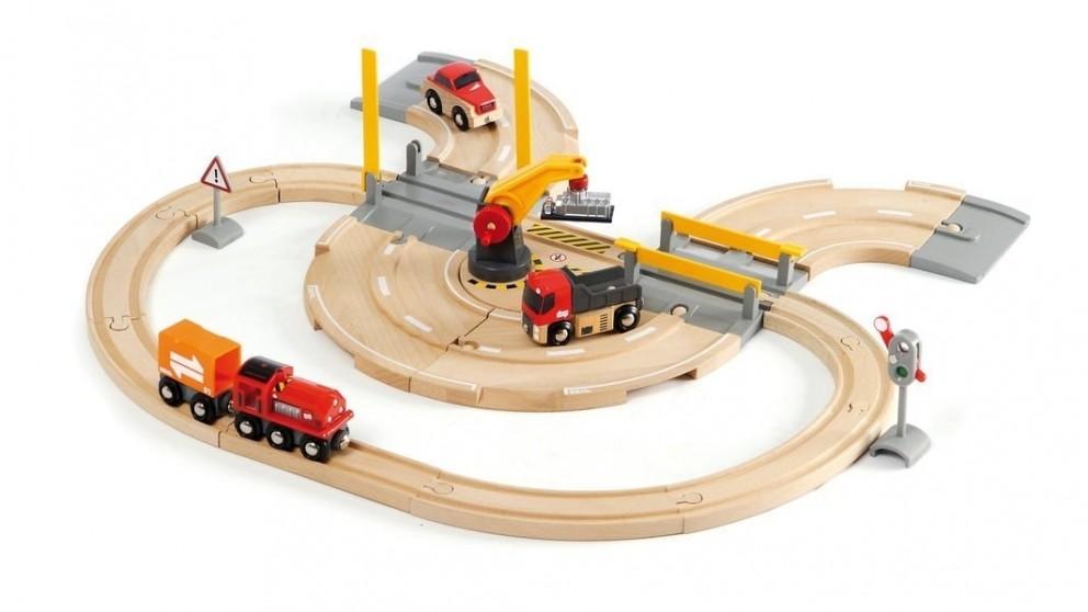 Brio 26-Piece Rail and Road Crane Vehicle Playset