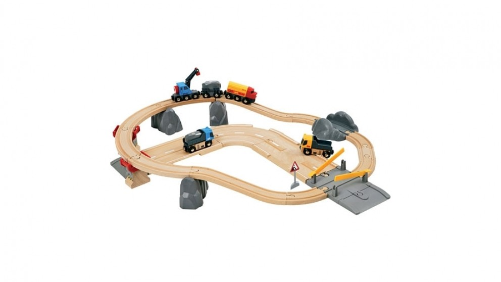 Brio 32-Piece Rail and Road Loading Vehicle Playset