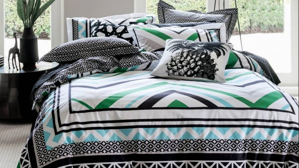 Rumi Black Quilt Cover Set