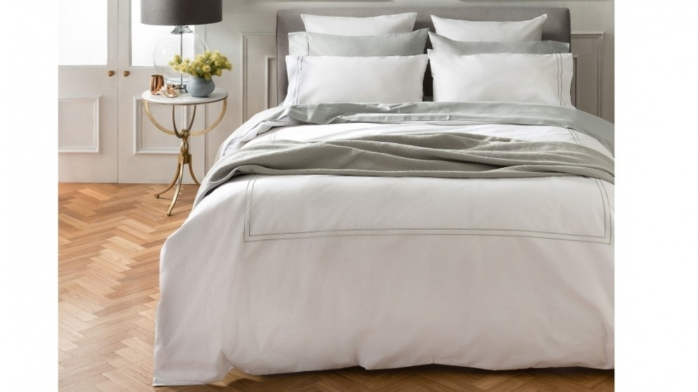 L'Avenue Ravena Silver Quilt Cover Set